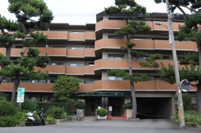 芦屋川下流の邸宅街で穏やかな暮らし。